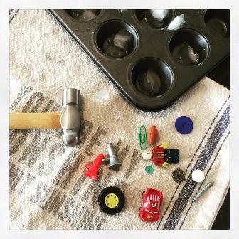Break the Ice – Super Simple Sensory Play